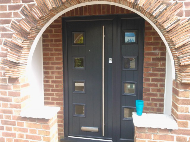 Solidor Milano Door with Side Panel in Anthracite Grey