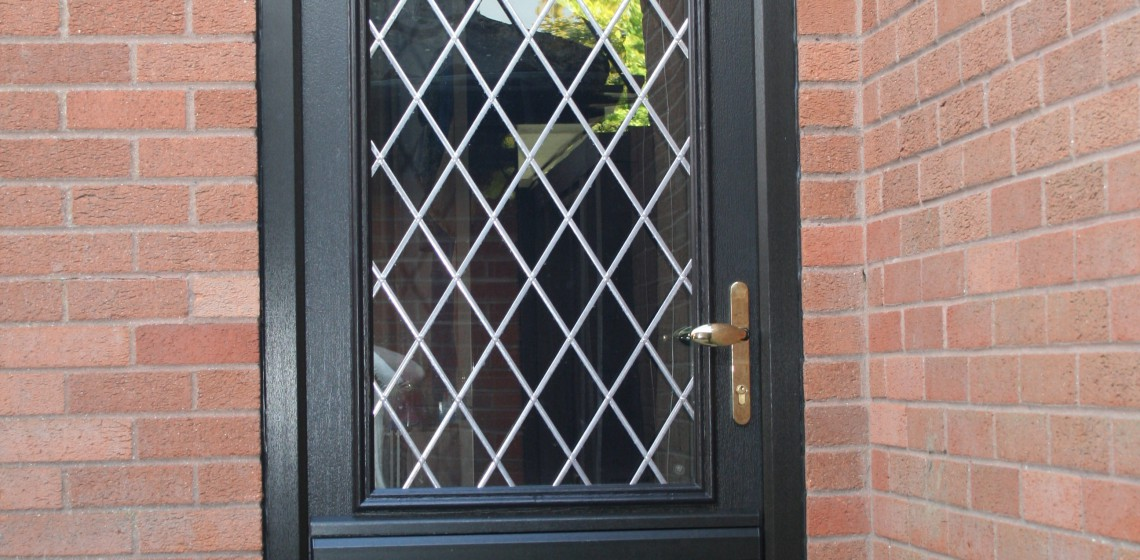 Beeston-Solidor-Composite-Door-in-Black